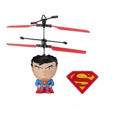 Drone superman volador con...
